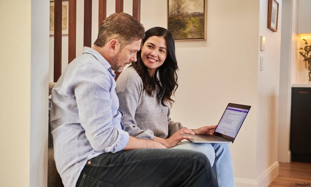 sharing laptop